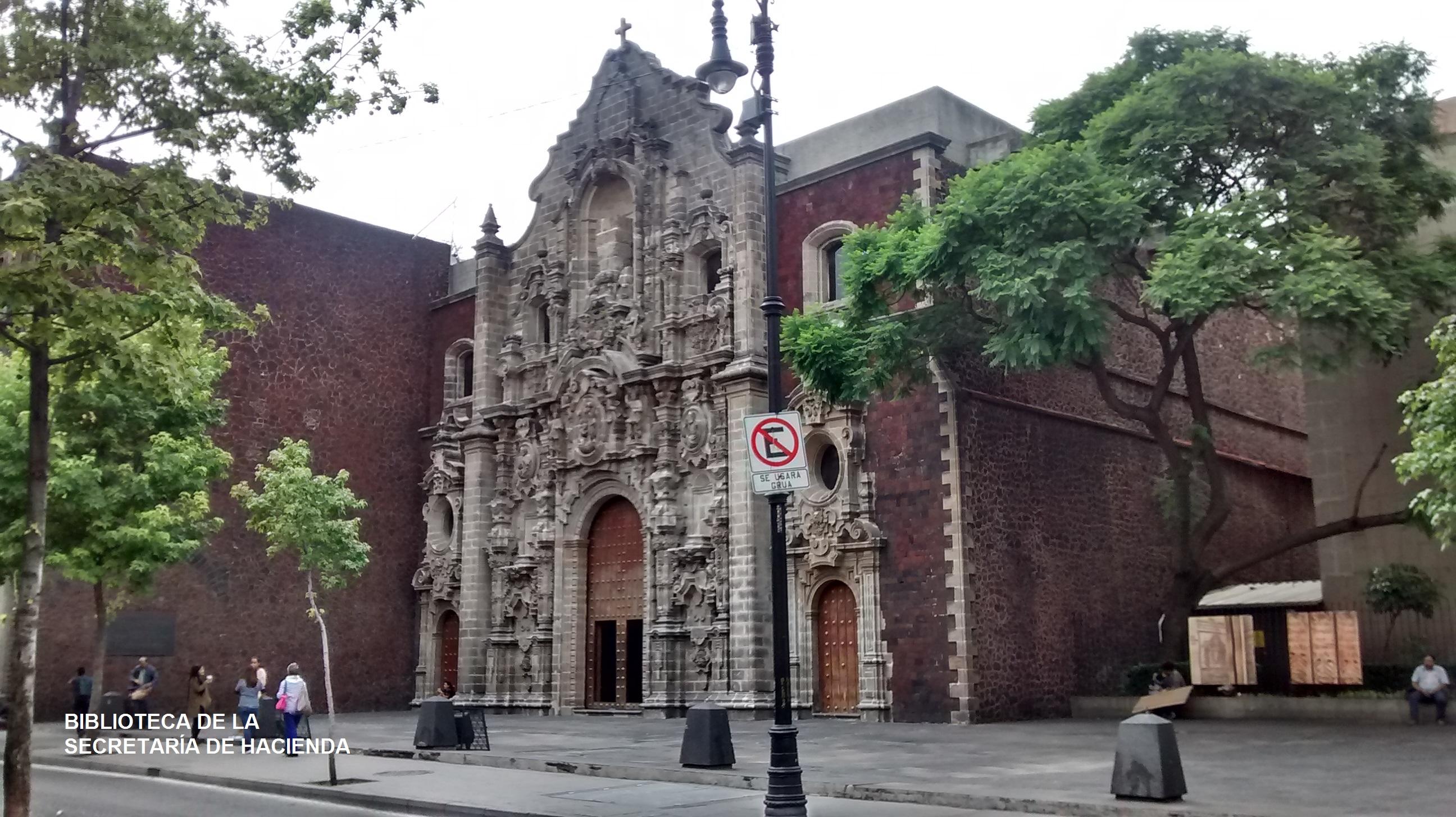 6. Biblioteca de la Secretaría de Hacienda (Roberto Santa Cruz)